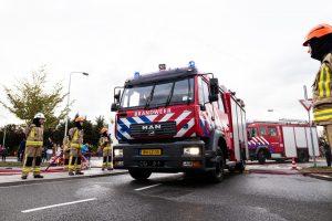 Brandweerwagens arriveren op de Willem Dreeslaan