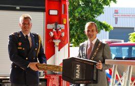 Nieuwe tankautospuit voor Brandweer Zuid-Beijerland